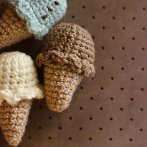 Mini Ice Cream Amigurumi : free crochet pattern - mini ice cream.