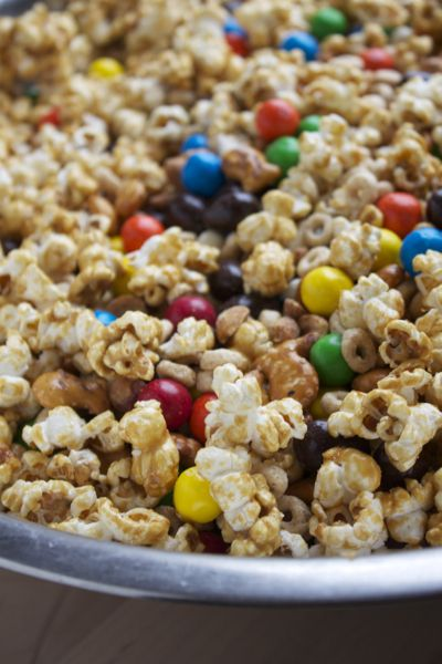 Homemade Honey Nut Trail Mix | Puppy chow and popcorn | Pinterest