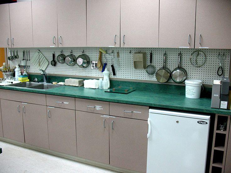 I like the pegboard backsplash kitchen ideas pinterest for Kitchen pegboard ideas