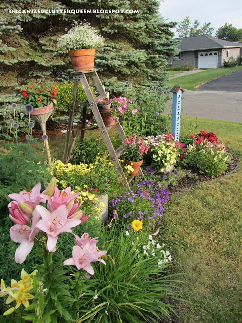 The front yard flower border - Flowers for the front yard ...