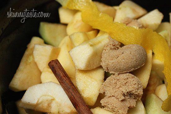 Crock Pot Applesauce. Bonus: your house will smell amazing, too. I love crockpot applesauce!