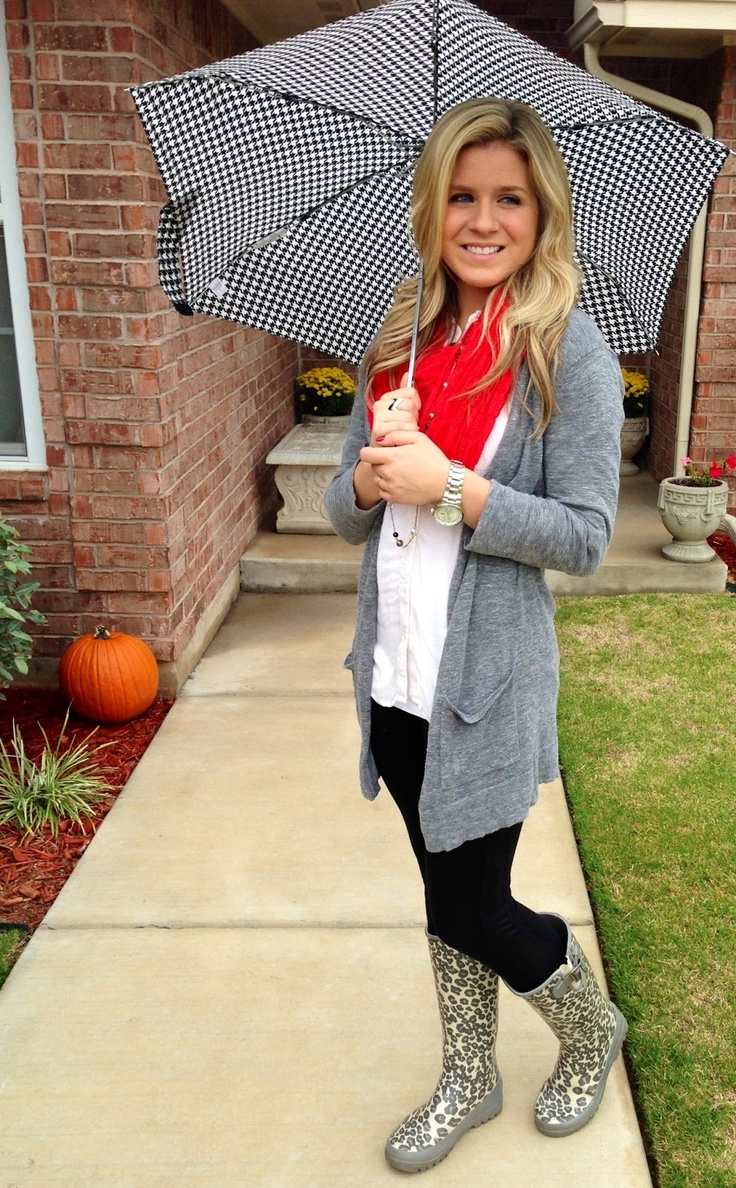 Cute/casual rain day outfit with sperry rainboots