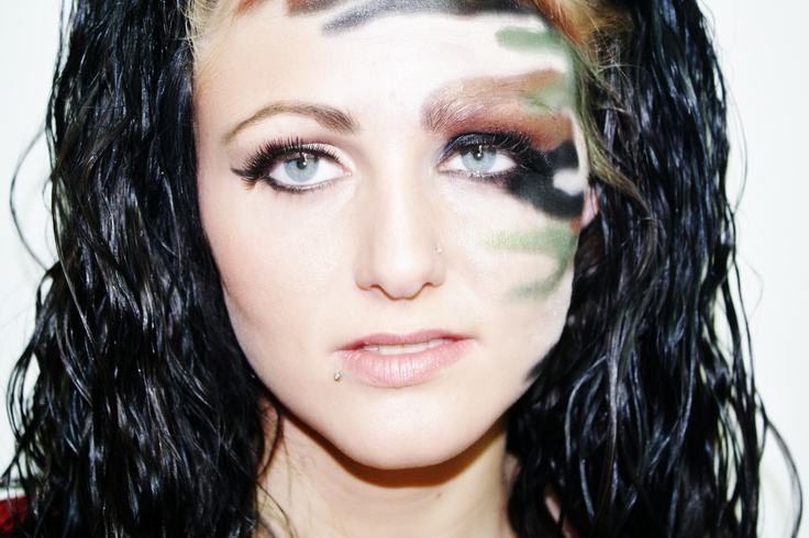 Camo Makeup Detailed Hotdame