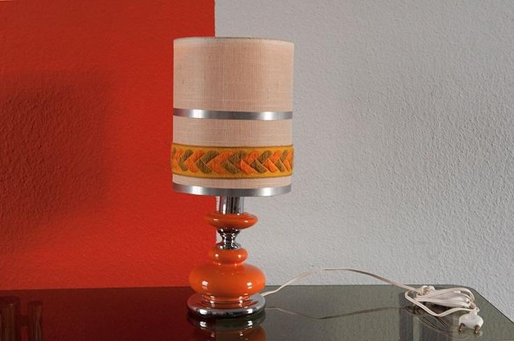 lampe de chevet typique des ann es 70. Black Bedroom Furniture Sets. Home Design Ideas