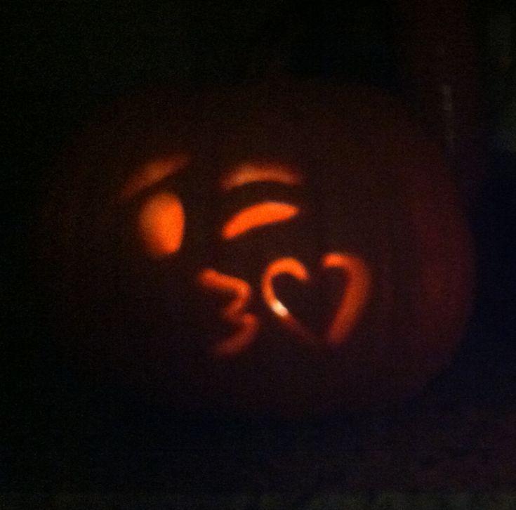 Pin by alyson roepke on diy pinterest for Emoji pumpkin carving ideas