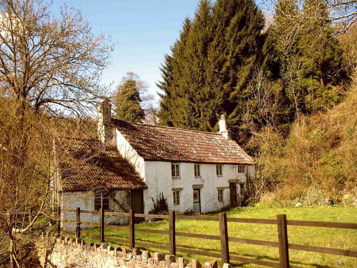 English cottage cute country cottages pinterest for Pictures of english country cottages