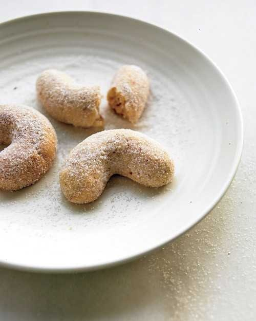 Almond Crescent Cookies | Recipes to Try | Pinterest