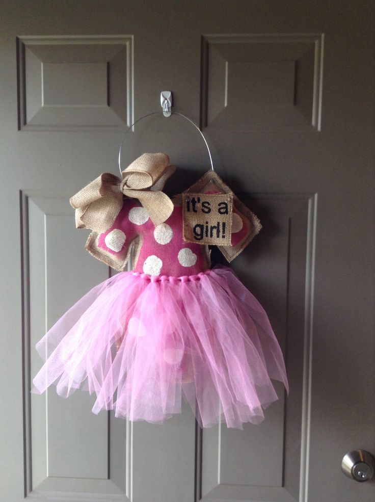 It 39 s a girl burlap door hanger for Baby shower front door decoration ideas