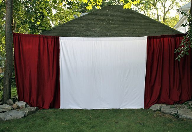 outdoor movie screen for the backyard