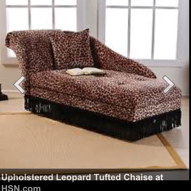 Leopard chaise lounge i want chasing the chaise for Animal print chaise lounge