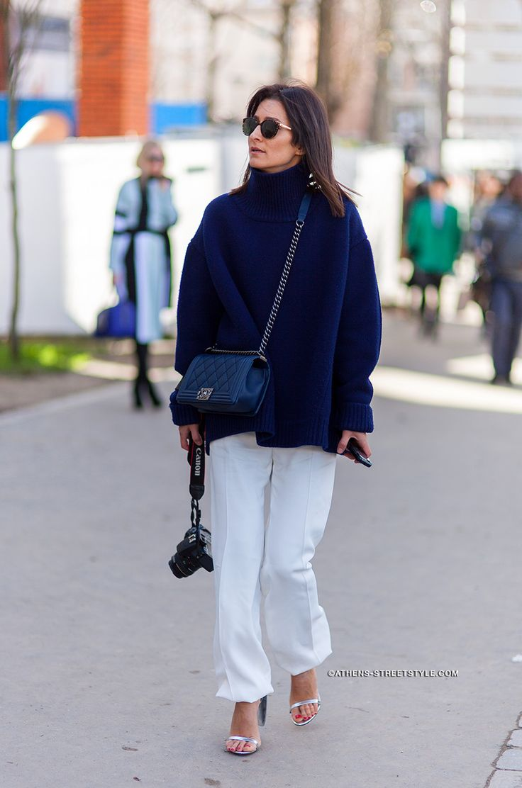 brilliant navy knit + white pants combo. #GolestanehMayerUellner in Paris.