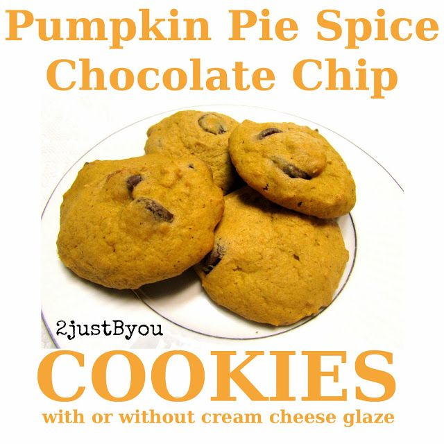 Super Soft Pumpkin Pie Spice Chocolate Chip Cookies {Recipe}