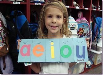 short vowel flip books - students paste words that contain the short vowel sound under each flap