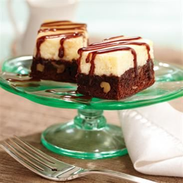 Brownie Cheesecake Bars - chocolate fudge walnut brownies topped with ...