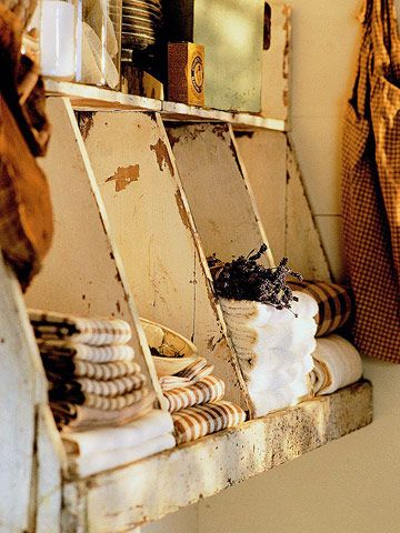 Rustic bath shelf - very cute!