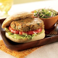 curry-spiced veggie burgers | Food to Fuel | Pinterest