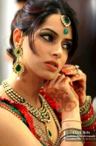 Dulhan Bride Henna Mehndi Indian Pakistani South Asian Desi Wedding | Dulhans