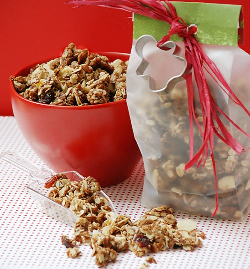 Gingerbread Cookie Granola - just came out of the oven. The house ...