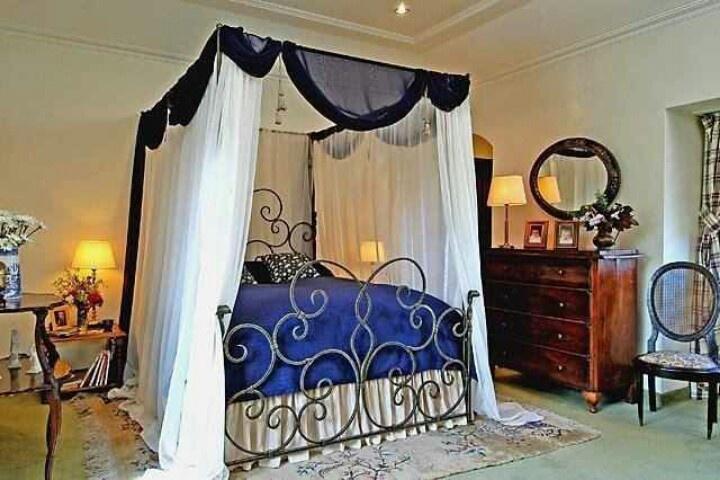 That bed!  Bedroom Boom  Pinterest