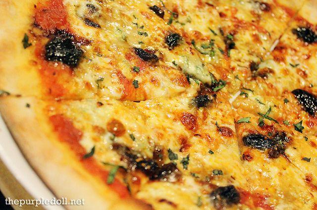 Cristina Pizza -- mozzarella, balsamic gorgonzola, figs and grapes