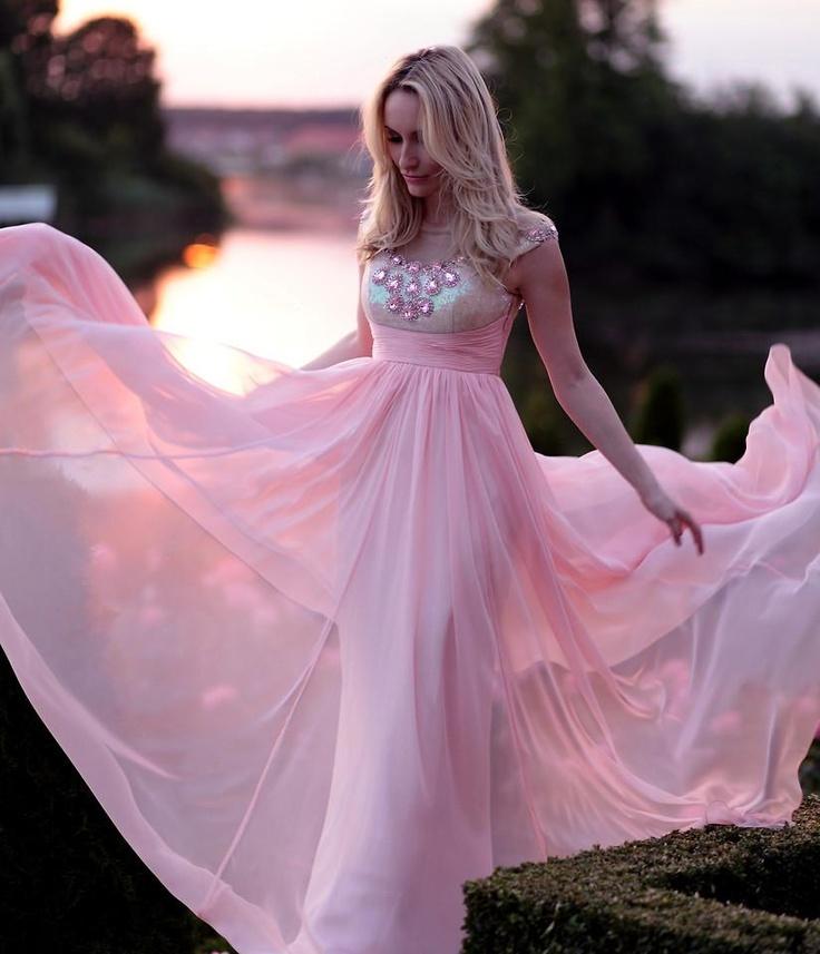 Розовый шифон Богиня