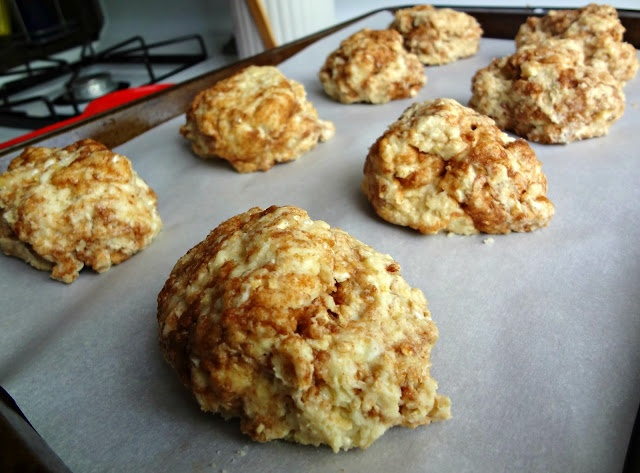 The Cooking Actress: Cinnamon Bun Scones | Cooking | Pinterest