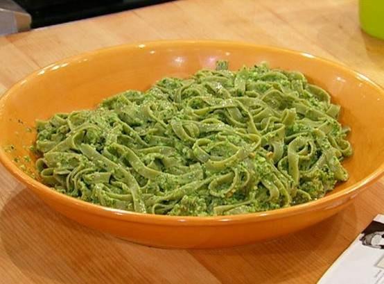 Spinach pasta with asparagus pesto | Recipes | Pinterest
