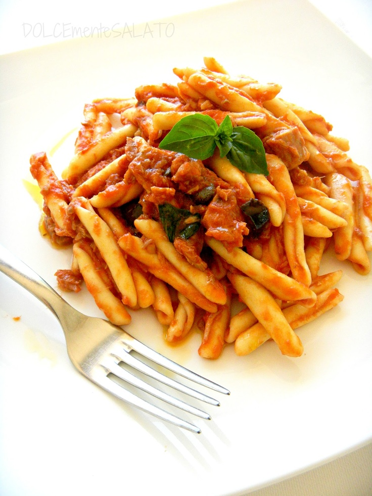 Calabrian fusilli with tuna, olives and capers