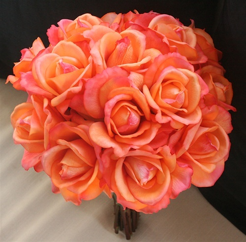 Natural touch orange open roses bouquet add more colors for Natural rose colors