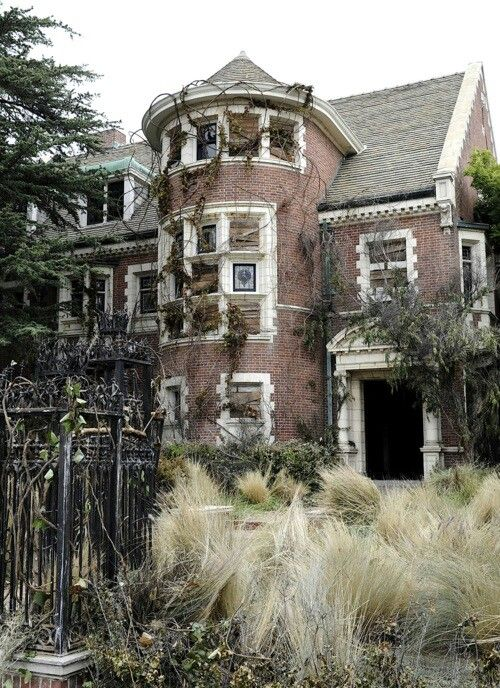 Lugares abandonados taringa for Murder house for sale american horror story