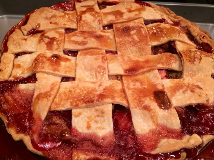 Lattice-Topped Strawberry-Rhubarb Pie from #epicurious