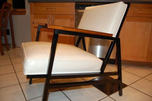Retro mid century modern steelcase pair executive lounge side chair