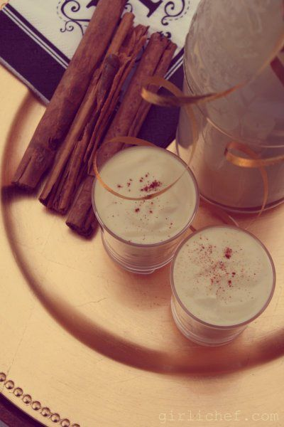 girlichef: Rompope: Mexican Eggnog {she made, ella hace}