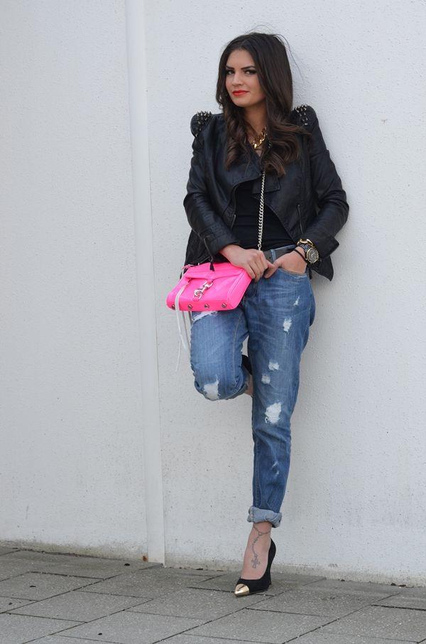 leather jacket: Lookbookstore // shirt/belt: H // boyfriend jeans: Pimkie // bag: Rebecca Minkhoff // watch: MK // pumps: I love shoes via Sarenza