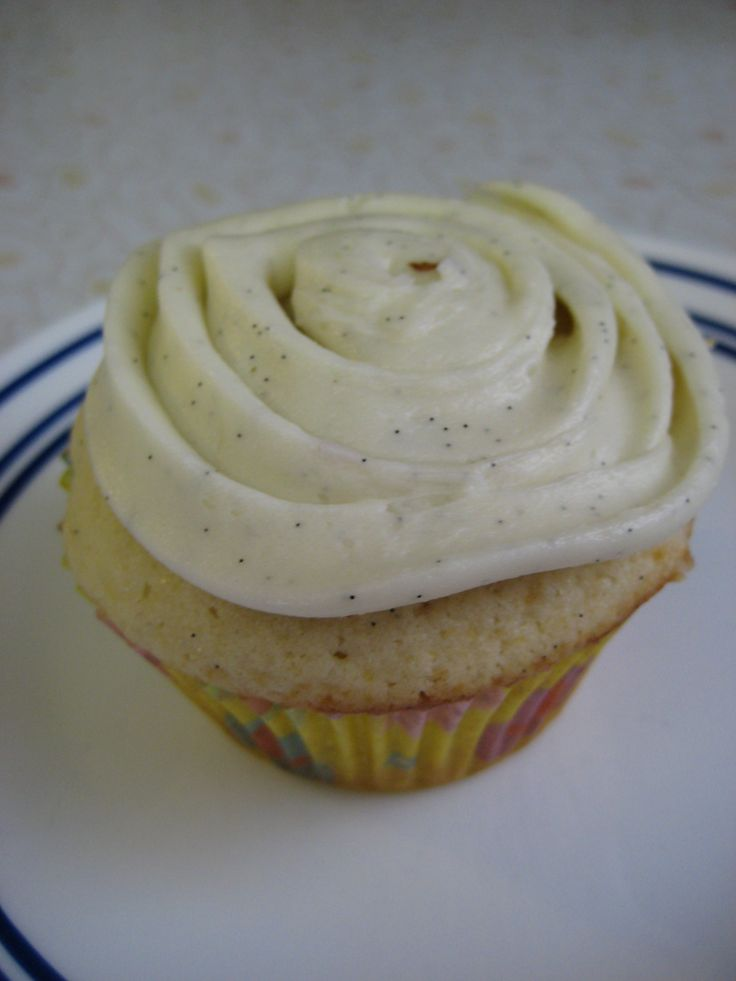 double vanilla bean cupcakes | SwEeT tOoTh * | Pinterest