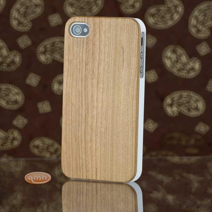 Merisier Bois In English : Coque iPhone 4S en Bois de Merisier vue d'artiste Une robe en bois