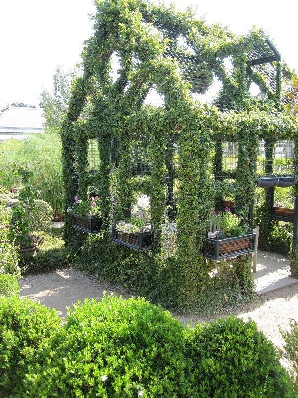 Old Garden Dreams: Huntington Library and Botanical Gardens.