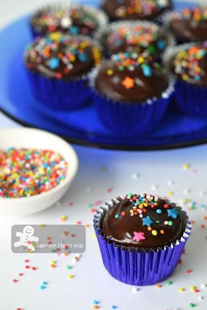 One-Bowl Chocolate Cupcakes (Martha Stewart)