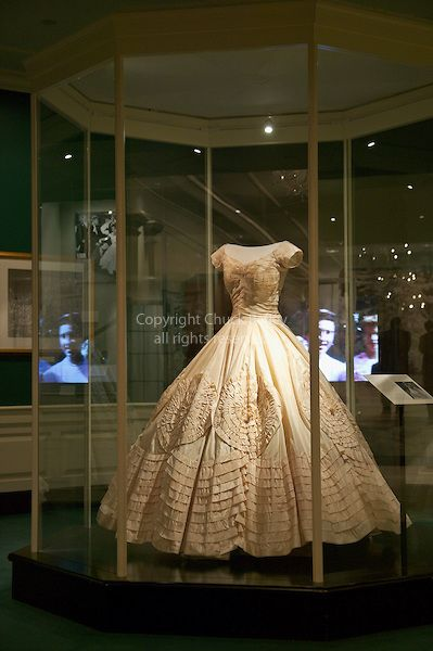 Jacqueline Kennedy Wedding Dress
