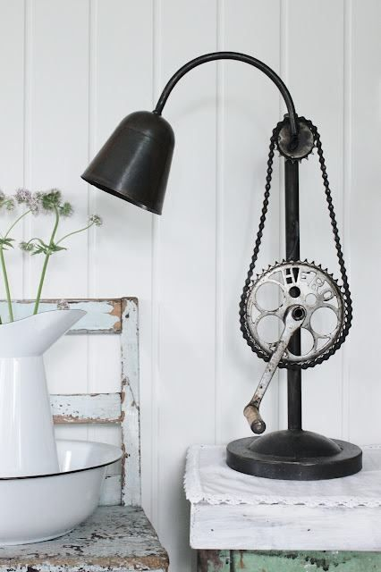 Gooseneck lamp, updated. Bicycle gear and chain recreated into a lamp. I want to turn that crank to adjust the lamp...