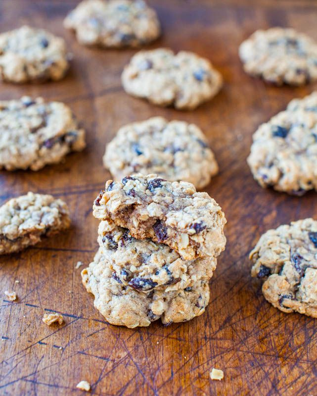 Thick and Chewy Oatmeal Raisin Cookies by @Averie Sunshine {Averie ...
