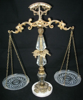 *SOLD* ANTIQUE VINTAGE L WMC 9137 Glass Crystal Weighing SCALE of JUSTICE LAW BALANCE $1 .. sorry this ITEM is SOLD ... we sell more antiques or vintage items products at http://www.jazevox.com