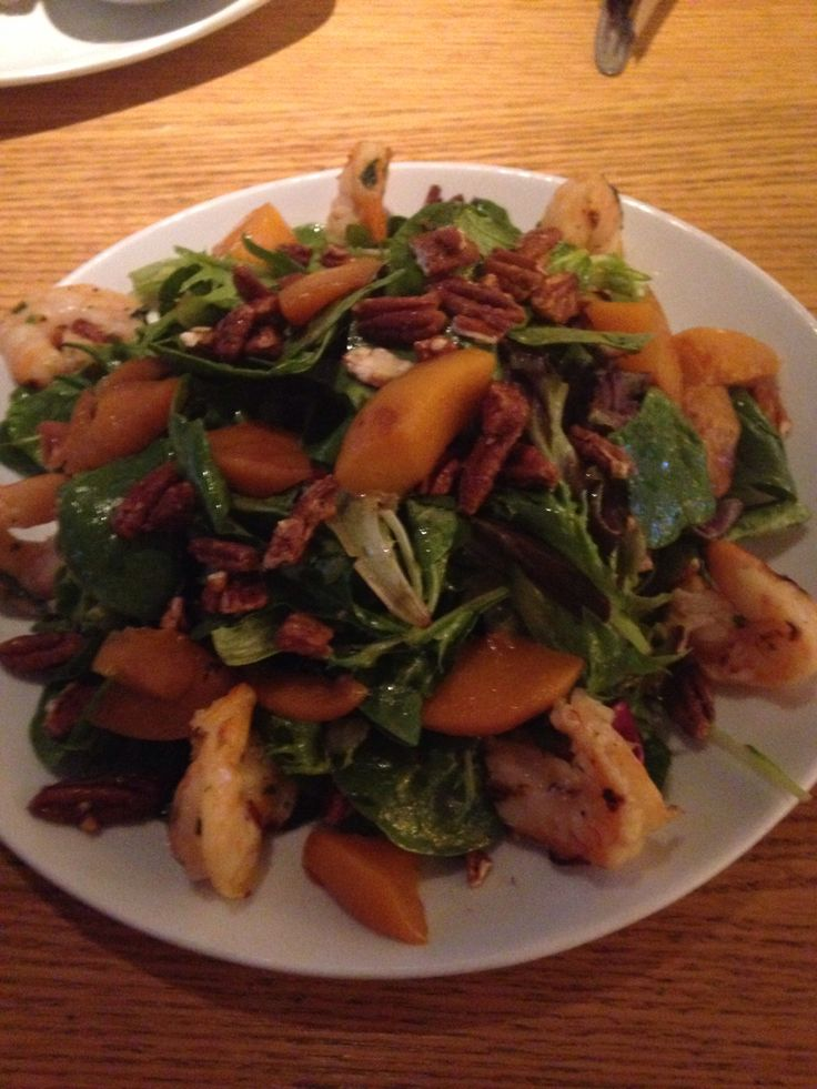 California Pizza Kitchen Carmelized Peach salad with pecans and shrimp ...