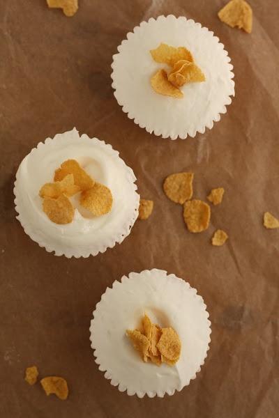 Momofuku Milk Bar Cereal Milk Cupcakes | » savor | sip | Pinterest