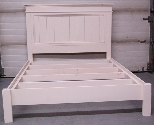 Ana white build a mom s fancy farmhouse bed free and for Farmhouse bed plans