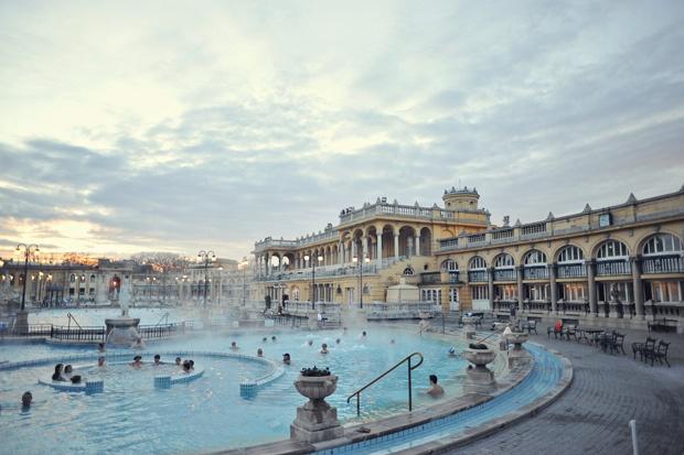 Sz 233 Chenyi Thermal Bath In Budapest Wish List Pinterest