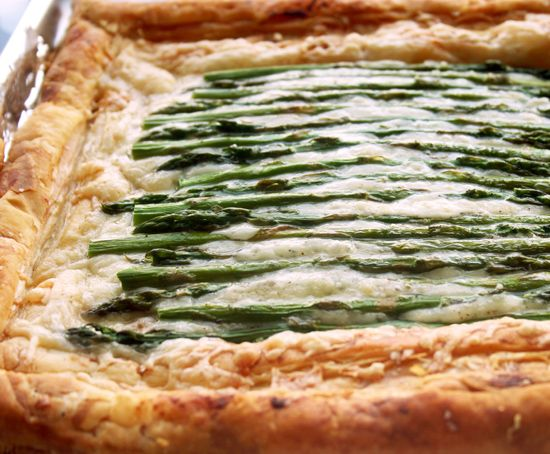 Asparagus and Gruyere Tart. Been wanting to make this for over a year ...