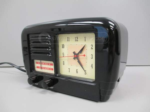retro style am fm alarm clock radio vintage electronics. Black Bedroom Furniture Sets. Home Design Ideas