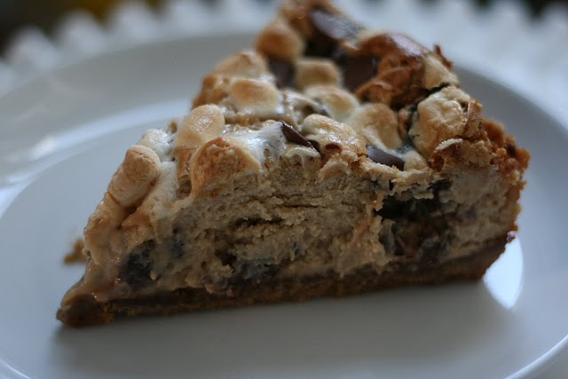 mores cheesecake | Mmm mmm|S'mores | Pinterest