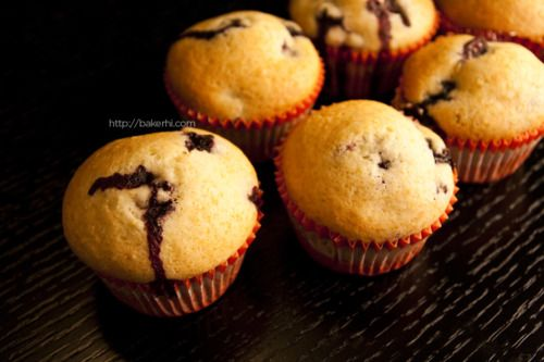 Low Fat Blueberry Muffins   Call it a scone, and you can eat cookies ...